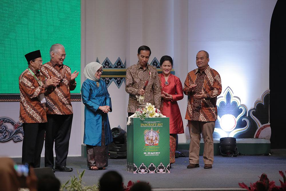 Presiden Joko Widodo Membuka Acara Pameran Inacraft 2017